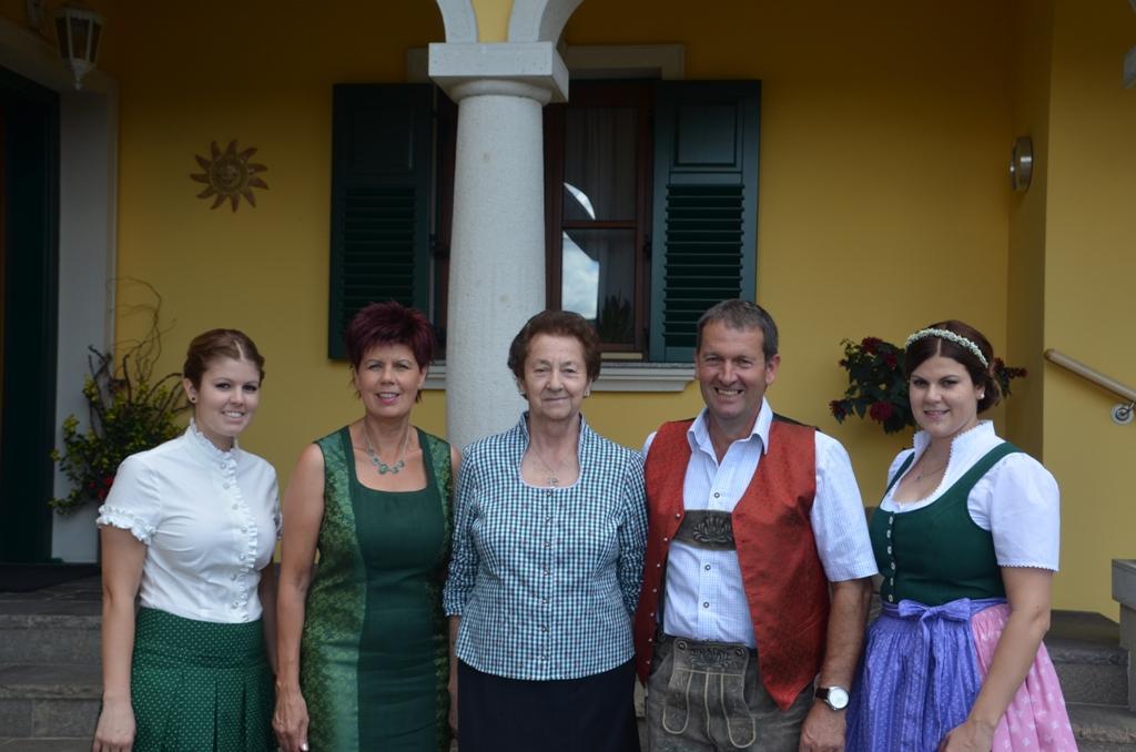 Lisa, Elisabeth, Maria, Werner und Anna Schneeflock